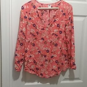 Old Navy floral top size XS.